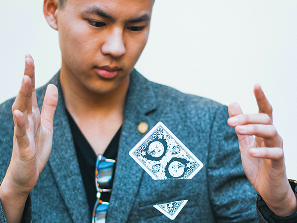 Kevin Li professional magician - www.wendoevents.com