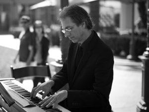 Ron Jazz Pianist - Ron Levy - www.wendoevents.com