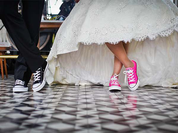 wedding couple wearing colorful Keds - music wedding bands - wendoevents.com